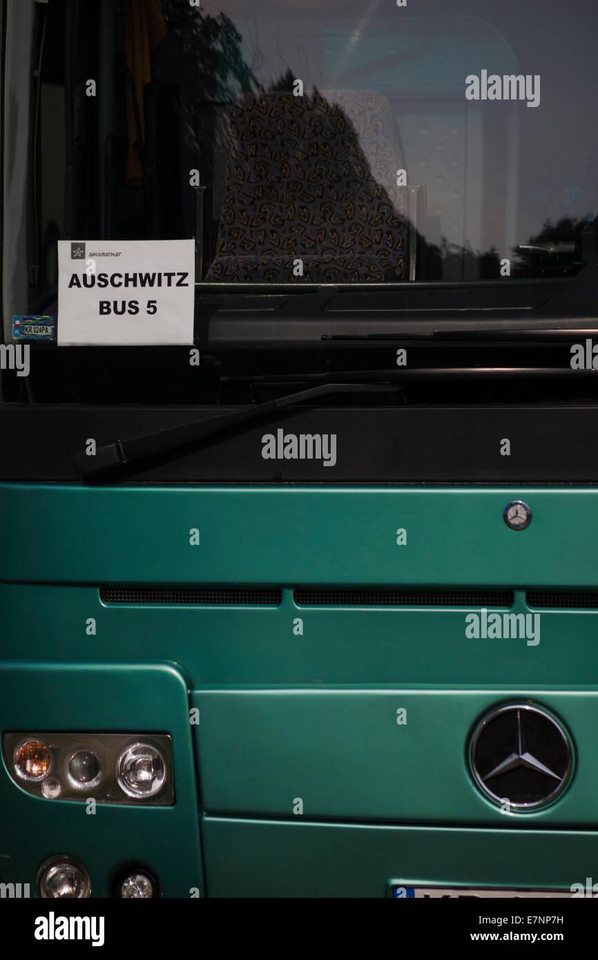 Auschwitz Bus 5 bereit zum Transport Besucher zwischen KZ Auschwitz und Auschwitz-Birkenau, Auschwitz, Polen Stockbild