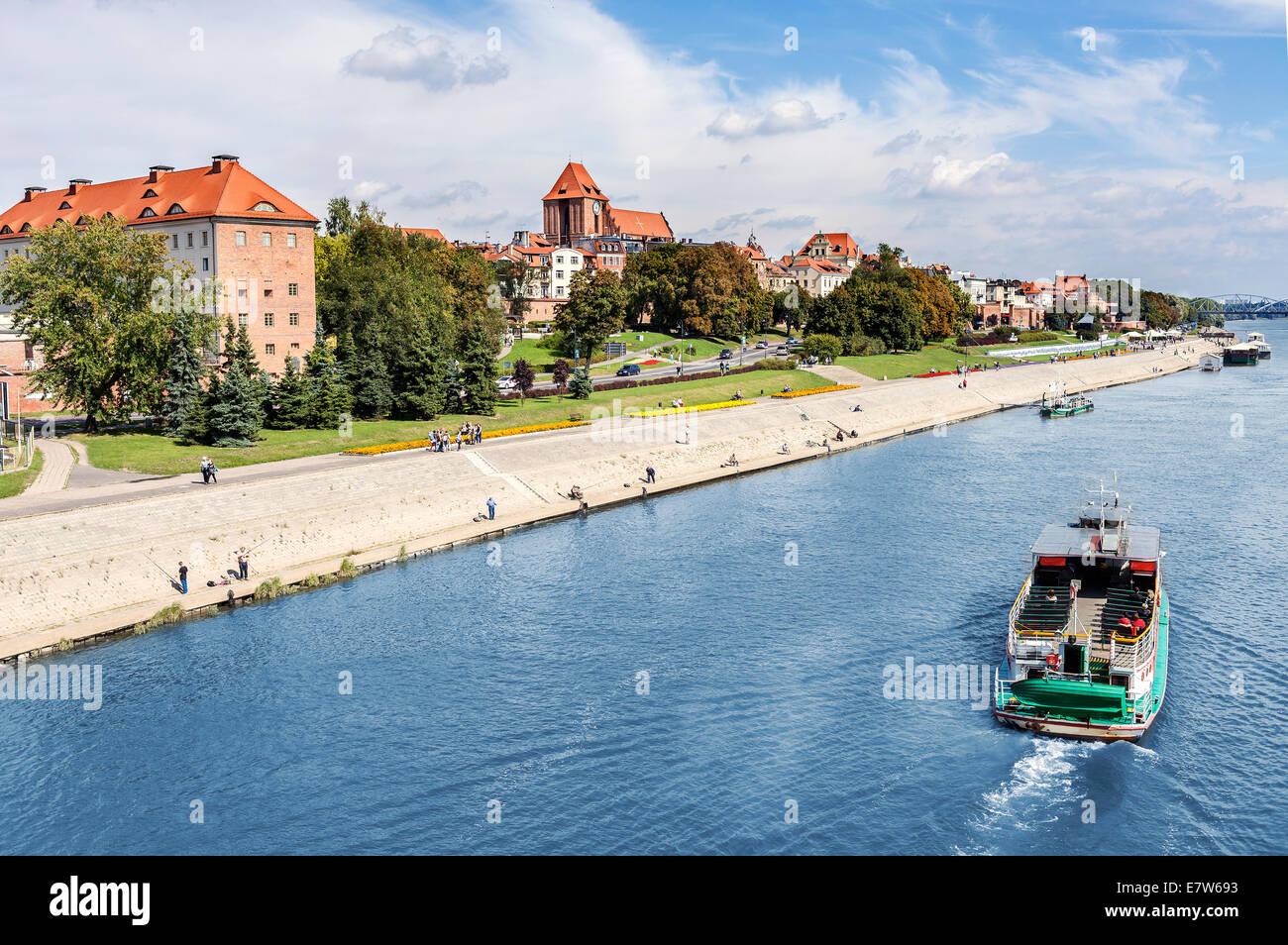 Torun Stadt liegt am Ufer Vistula Flusses, Polen. Stockbild