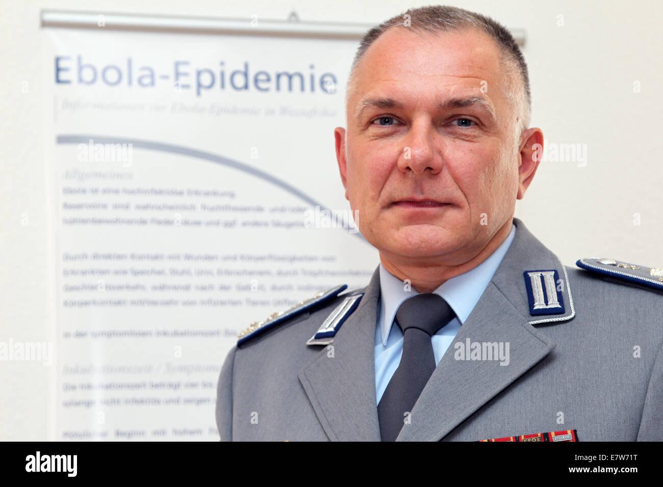 Koblenz, Deutschland. 24. Sep, 2014. Chef Armee Arzt Bernhard ... | {Arzt bundeswehr 39}