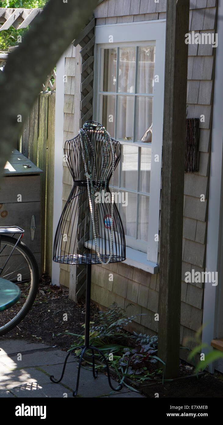 Fein Metalldraht Schaufensterpuppe Fotos - Elektrische Schaltplan ...