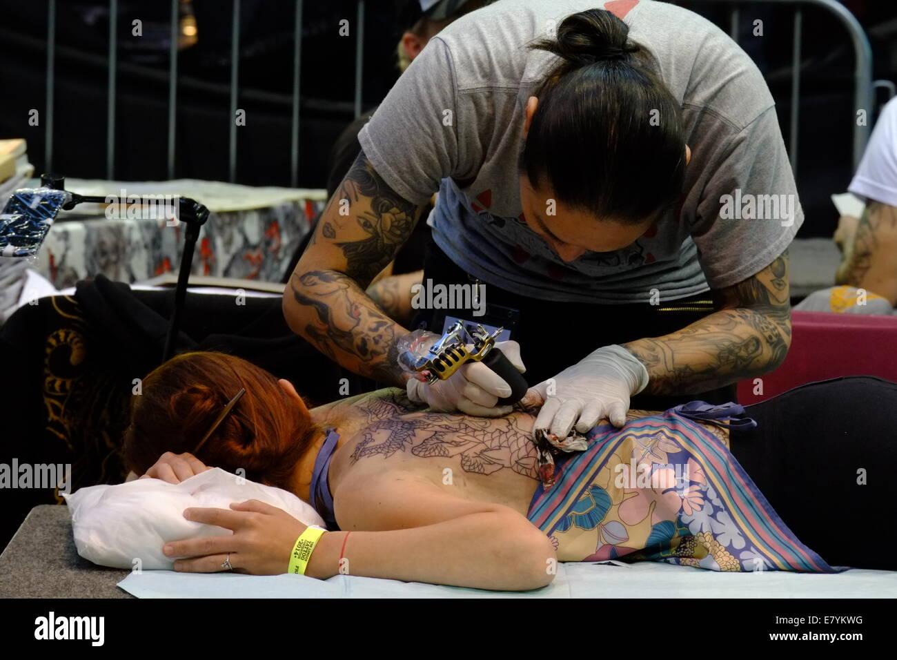 Datierung Ihres Tattoo-Künstlers Was nach 40 Tagen Dating geschah