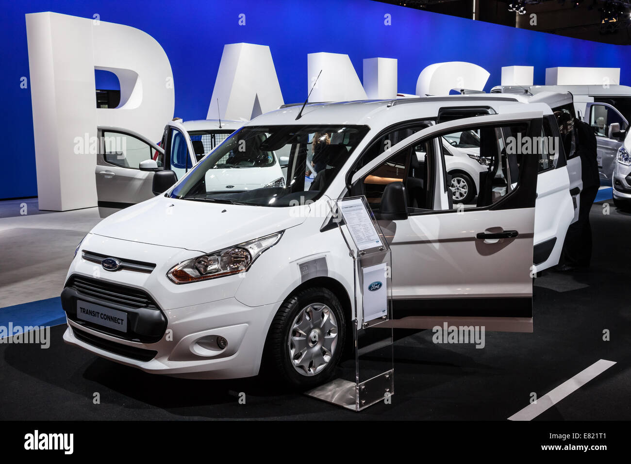 ford transit stockfotos ford transit bilder alamy. Black Bedroom Furniture Sets. Home Design Ideas