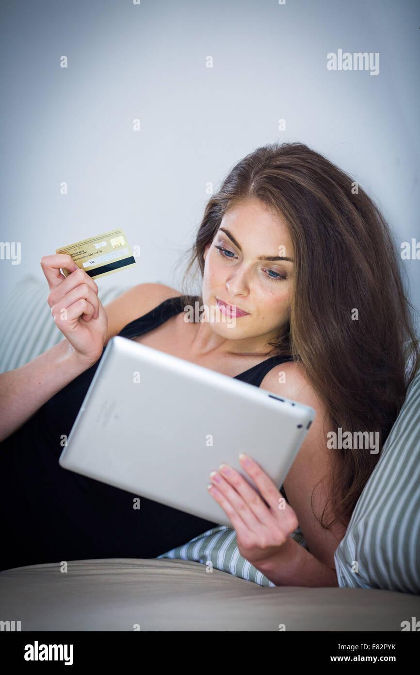 Online-Kauf. Stockbild