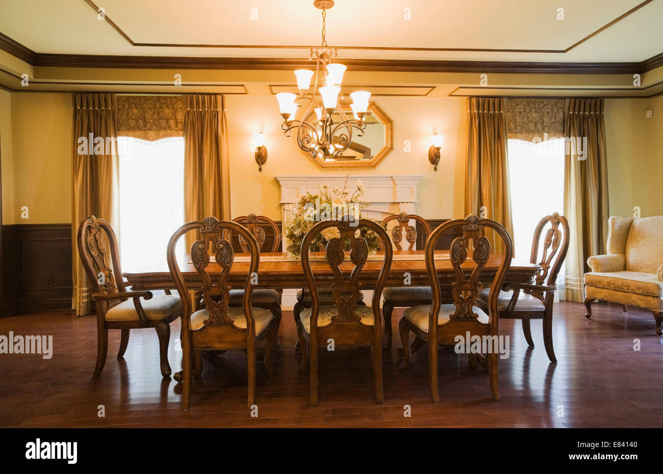 Old Fashioned Dining Room Stockfotos & Old Fashioned Dining Room ...