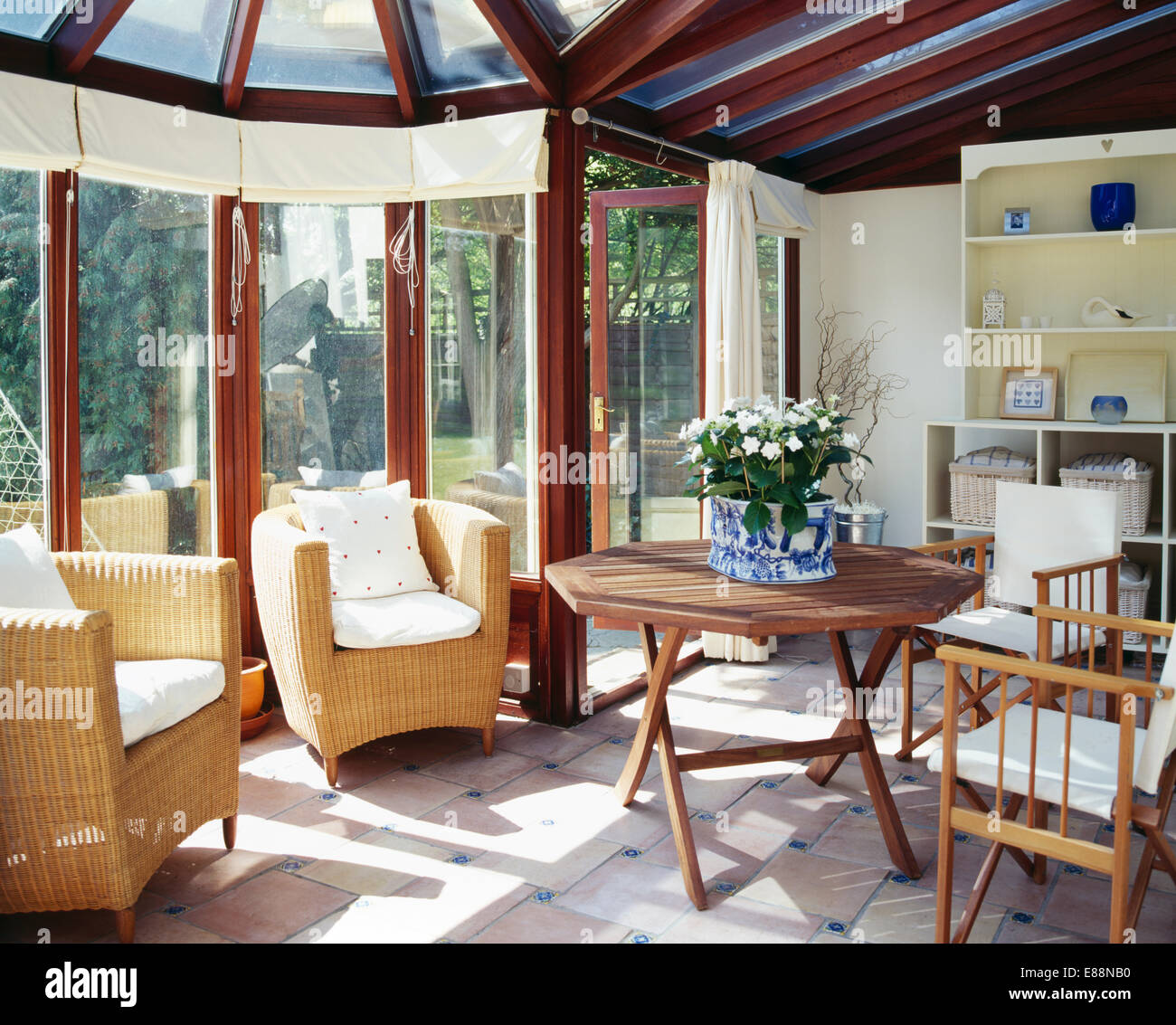Holzer Wintergarten furniture extensions livingrooms sittingrooms stockfotos furniture