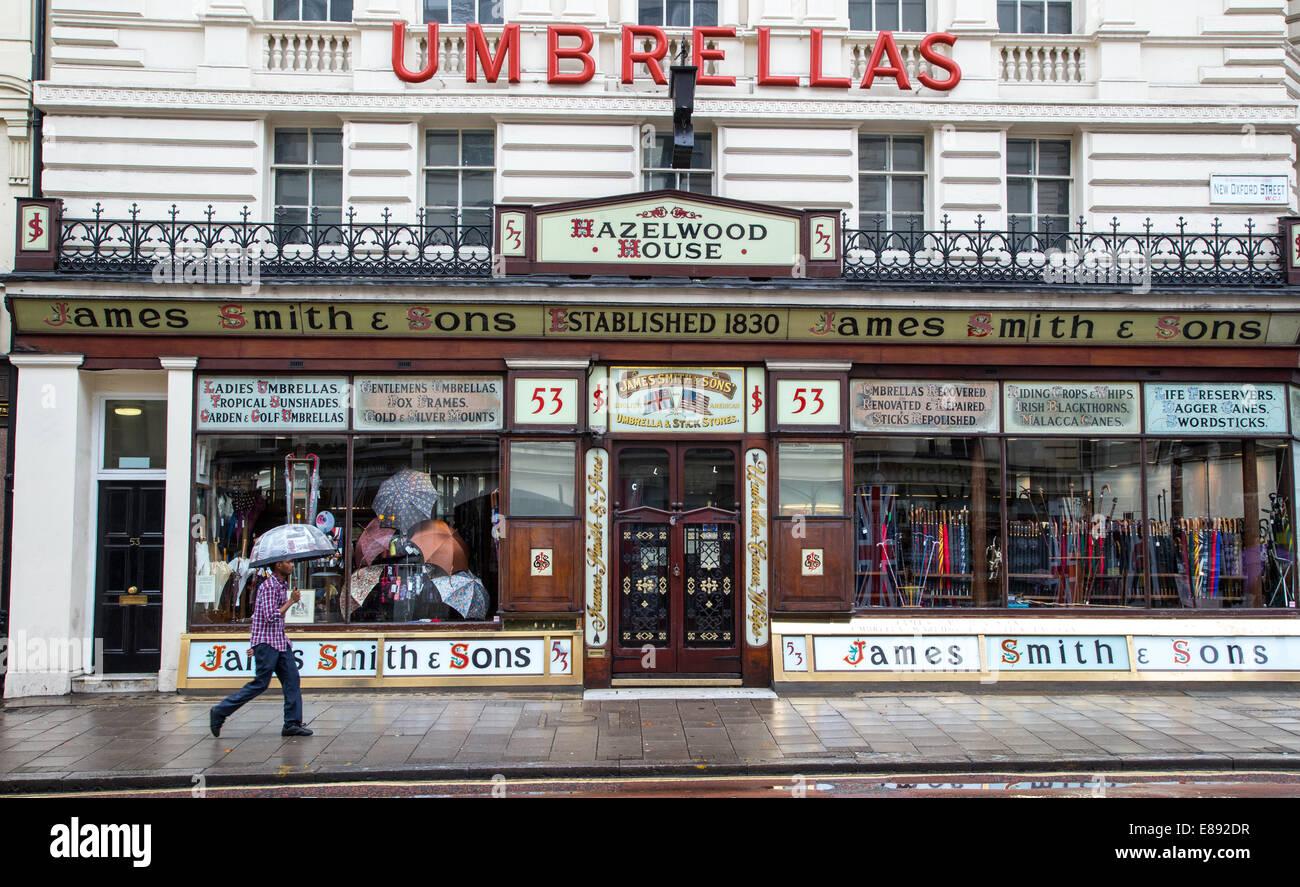 James Smith und Söhne Shop in New Oxford Street verkaufen, Schirme, Stöcke und Stöcken gegründet Stockbild