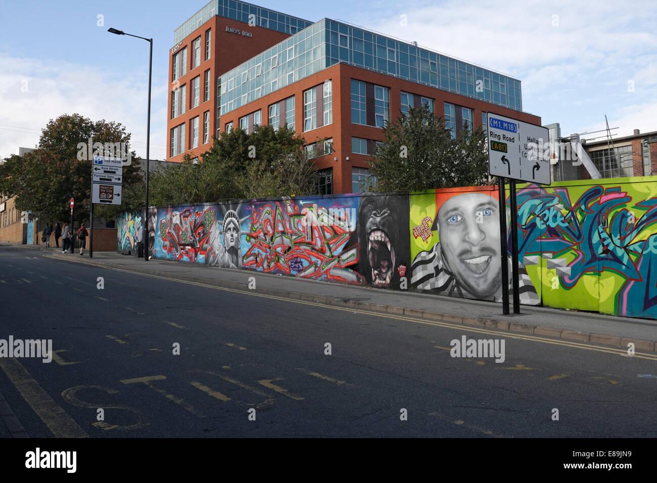 Straße Kunst Wandbild auf Matilda Street Sheffield, Baustelle Stockbild