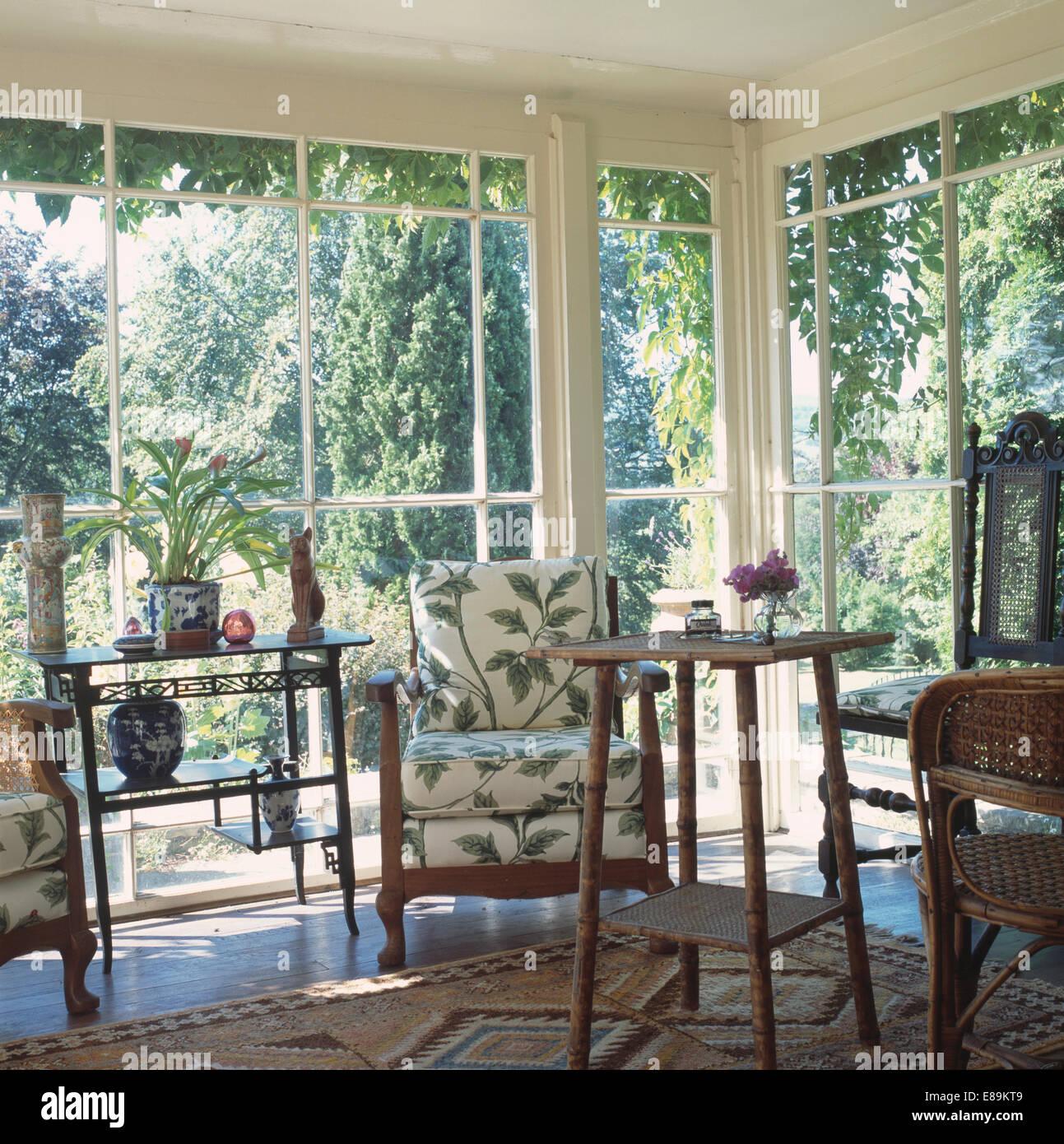 Super Antike Stühle Tisch und Bergere Stativ im traditionellen JI26