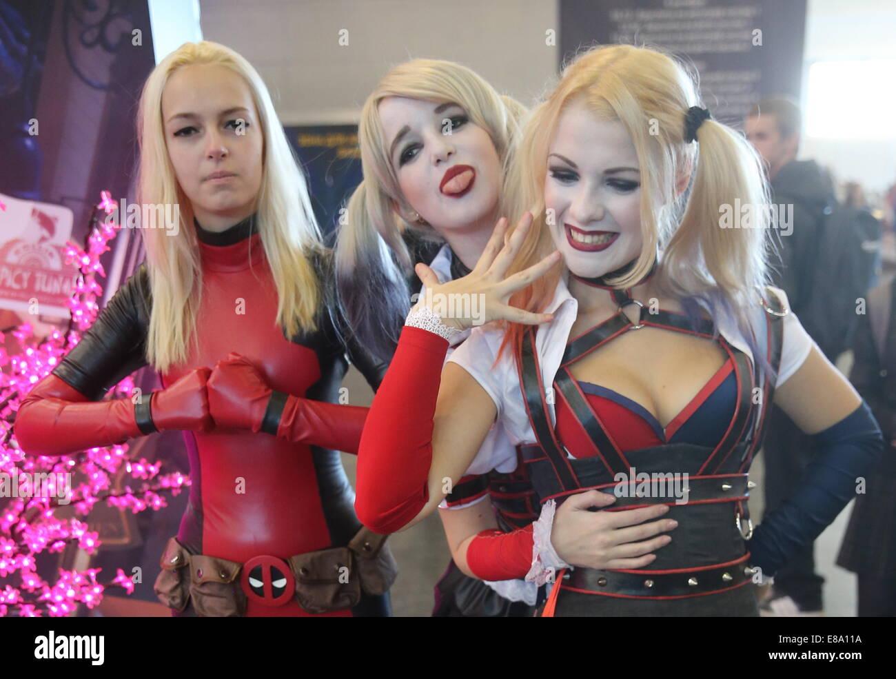 Moskau, Russland. 2. Oktober 2014. Cosplayer Teilnahme 2014 Comic ...
