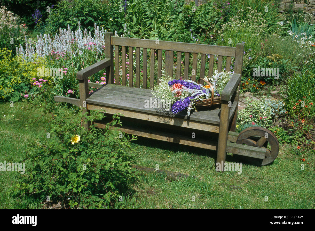 gardens country furniture benches stockfotos gardens. Black Bedroom Furniture Sets. Home Design Ideas