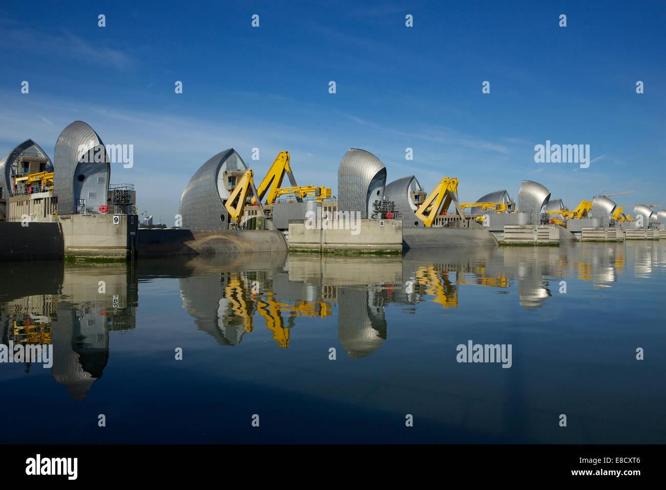 Woolwich, London, UK. 5. Oktober 2014. Die Thames Barrier Betriebsferien und 30. Jahrestag seit der Eröffnung Stockbild