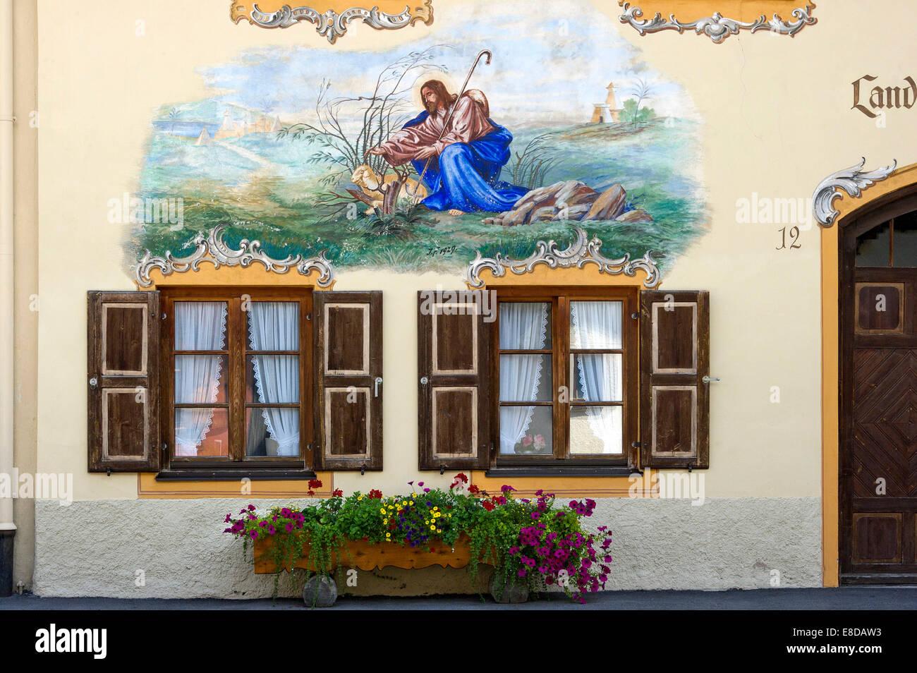 Lüftlmalerei, Szene mit Hirten, Gleichnis vom verlorenen Schaf, Landhaus Schandl, Mittenwald, Werdenfelser Stockbild