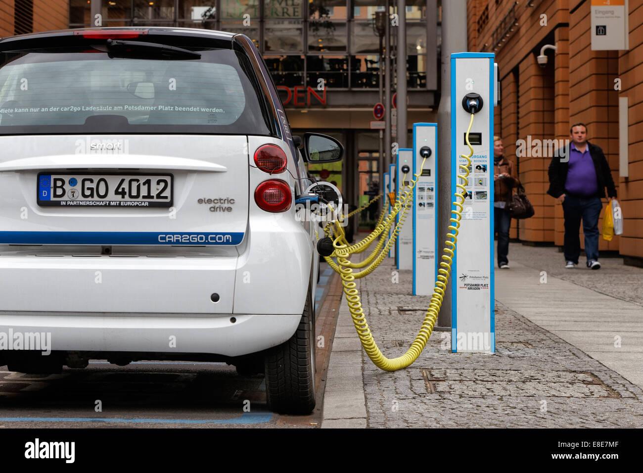 Berlin Deutschland E Mobile E Tankstelle Stockfoto Bild
