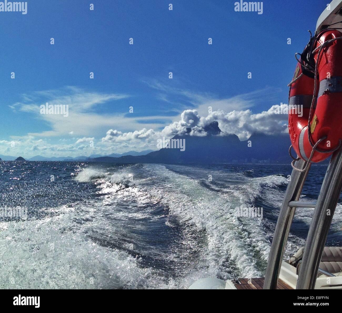 Ansicht von Wake aus der Rückseite des Bootes Stockbild