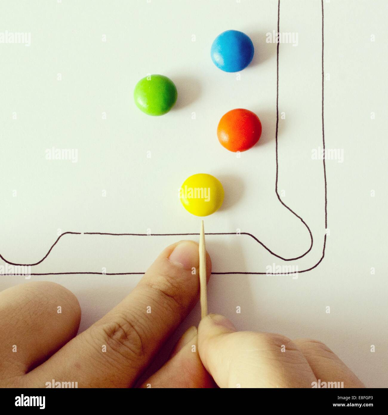 Illustration des Pool-Spiel mit bunten Bonbons Stockbild
