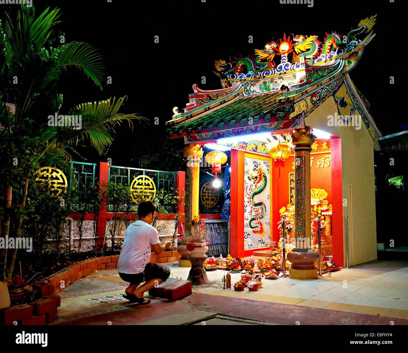 Thailand, chinesische Tempel und Gebet Stockbild