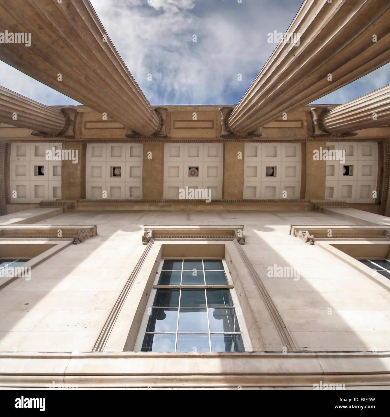 Großbritannien, England, London, niedrigen Winkel Ansicht des British Museum Stockbild