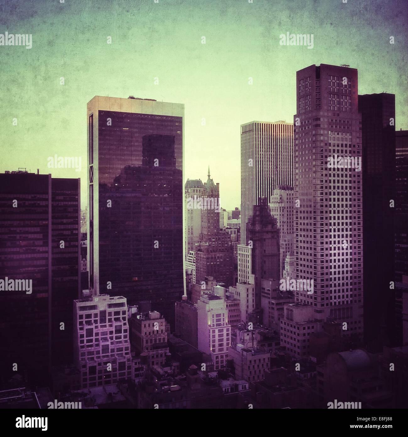 USA, New York State, New York City, Ansicht von Midtown Manhattan in der Dämmerung Stockbild