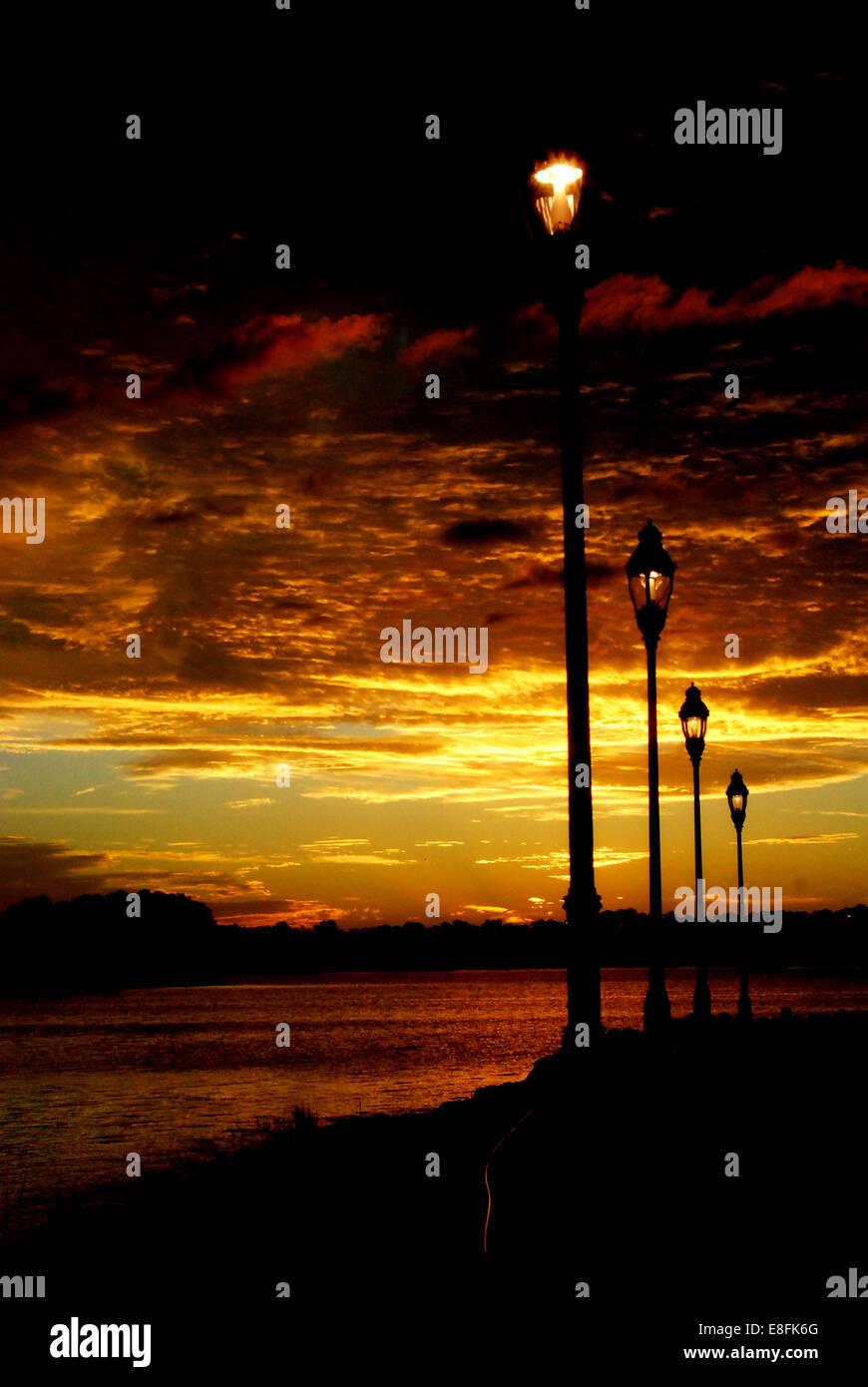 USA, Florida, Orlando, Orange County, Sonnenuntergang entlang zu Fuß Weg Stockbild