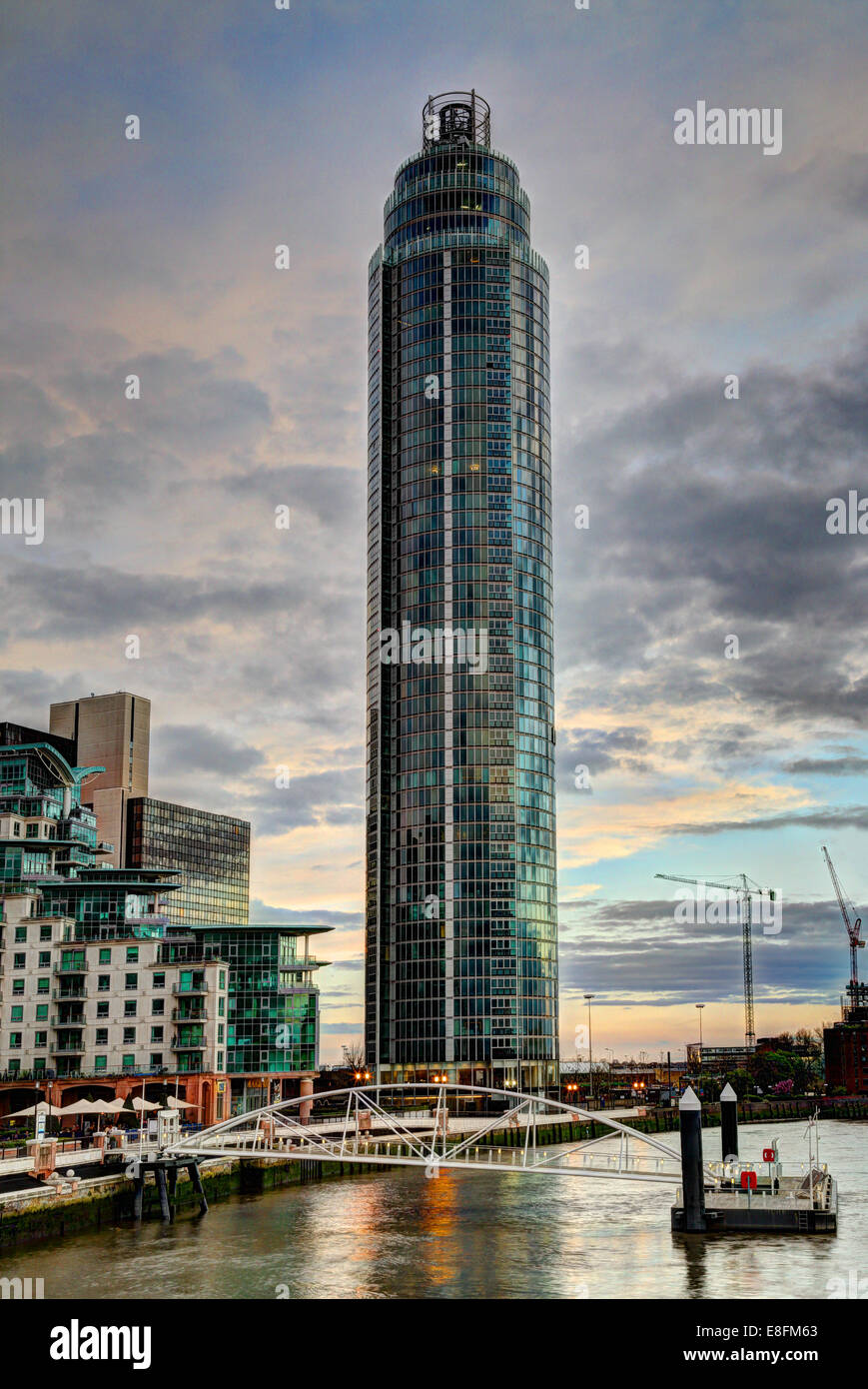 London, UK-Vauxhall-Turm Stockbild