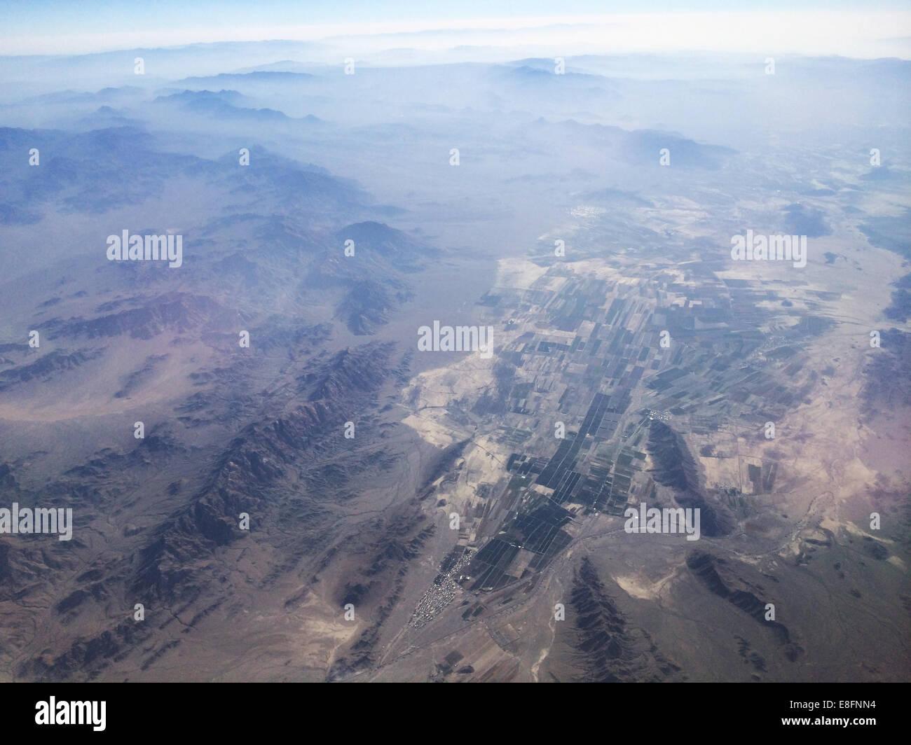Landwirtschaftliche Flächen und Gebirge Stockbild