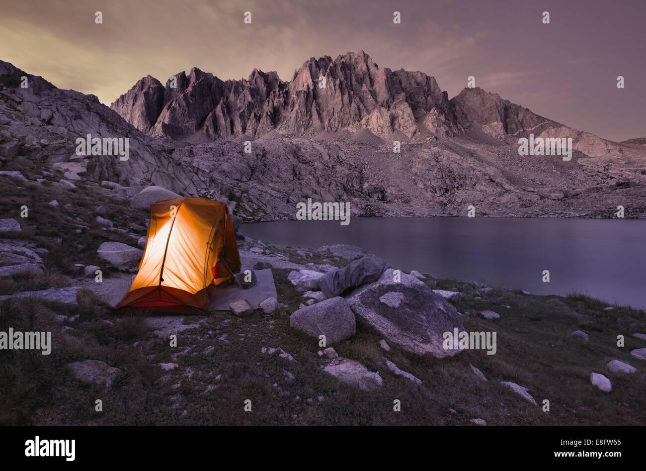 USA, California, Kings Canyon Nationalpark, Camping am See Barrett Stockbild