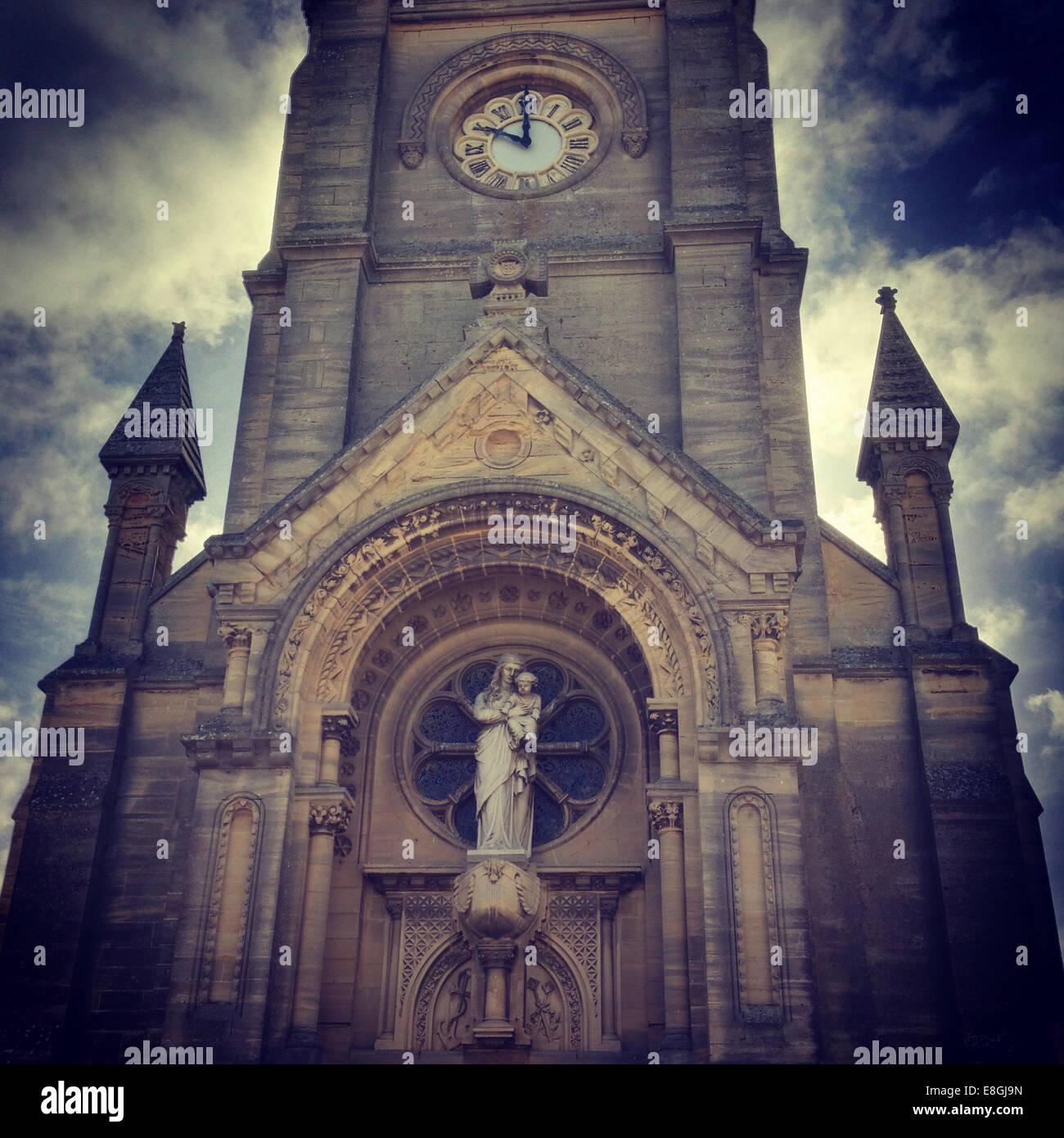 Kirche außen Stockbild