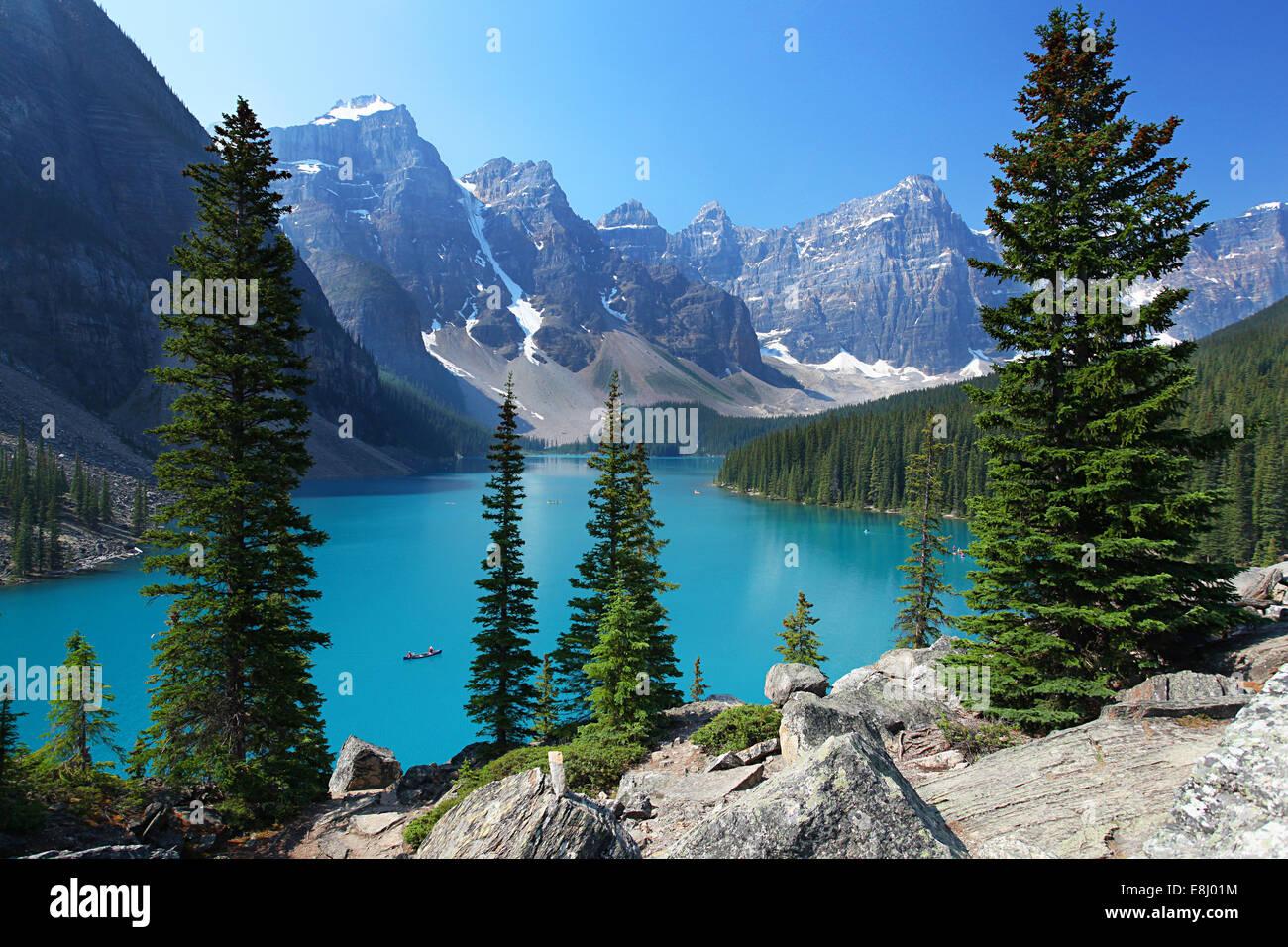 Moraine Lake in den kanadischen Rockies Stockbild