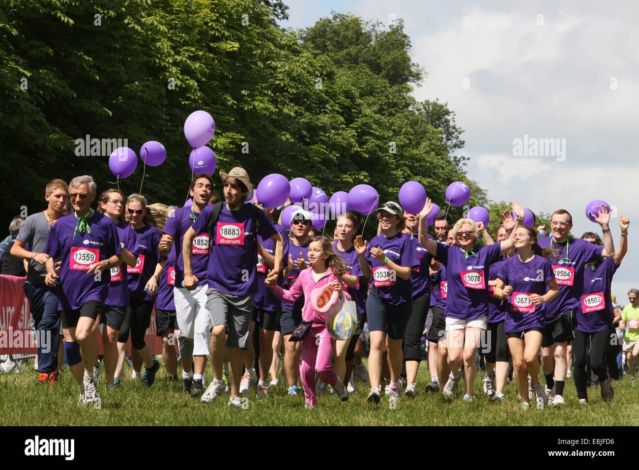Ankunft der Teilnehmer. Die Helden Rennen 2012. Stockbild
