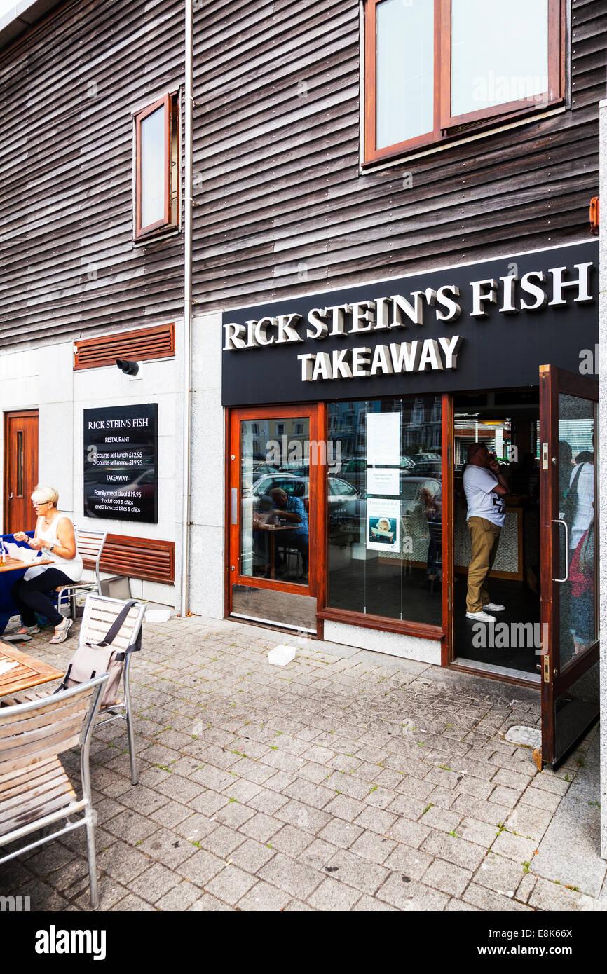 Rick Stein Stein Fish & Chips Falmouth Imbiss Cornwall UK England Gebäude Eingang Schlange-Shop-Kunden Stockbild