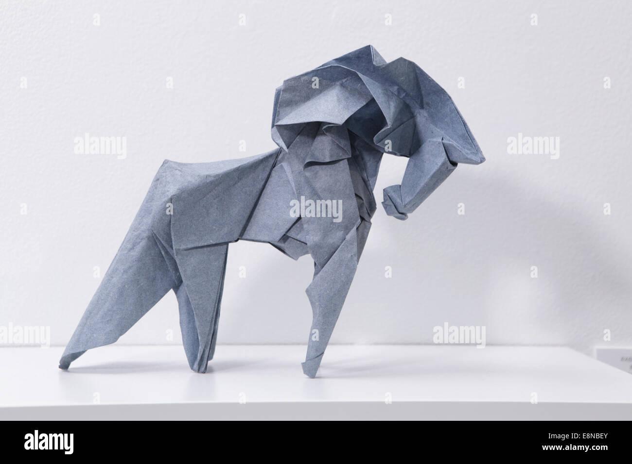 Origami-Pferd Caballo entworfen und gefaltet von Fabian Correa Gomez, Columbia Stockbild