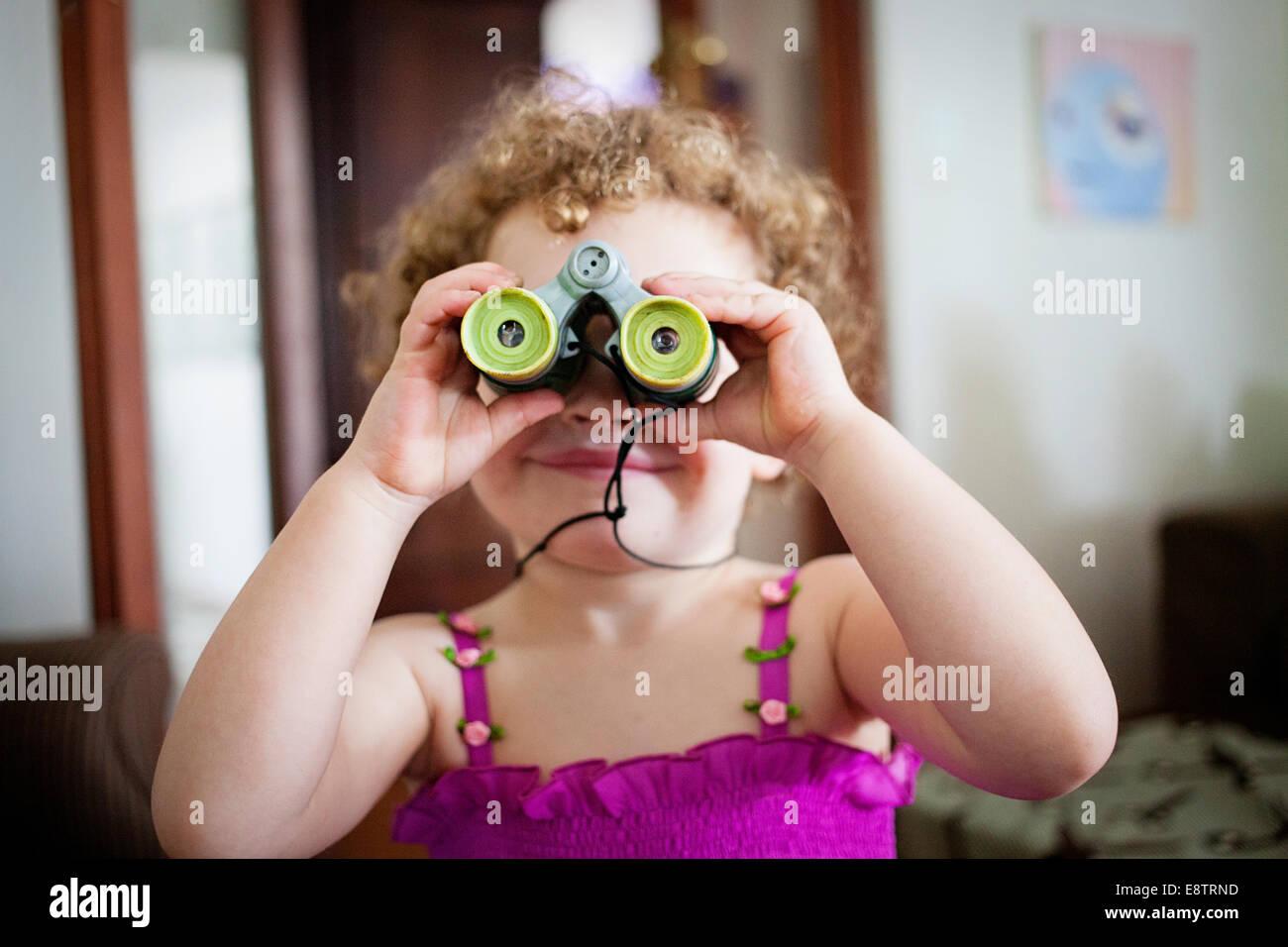 Toy binoculars stockfotos & toy binoculars bilder alamy