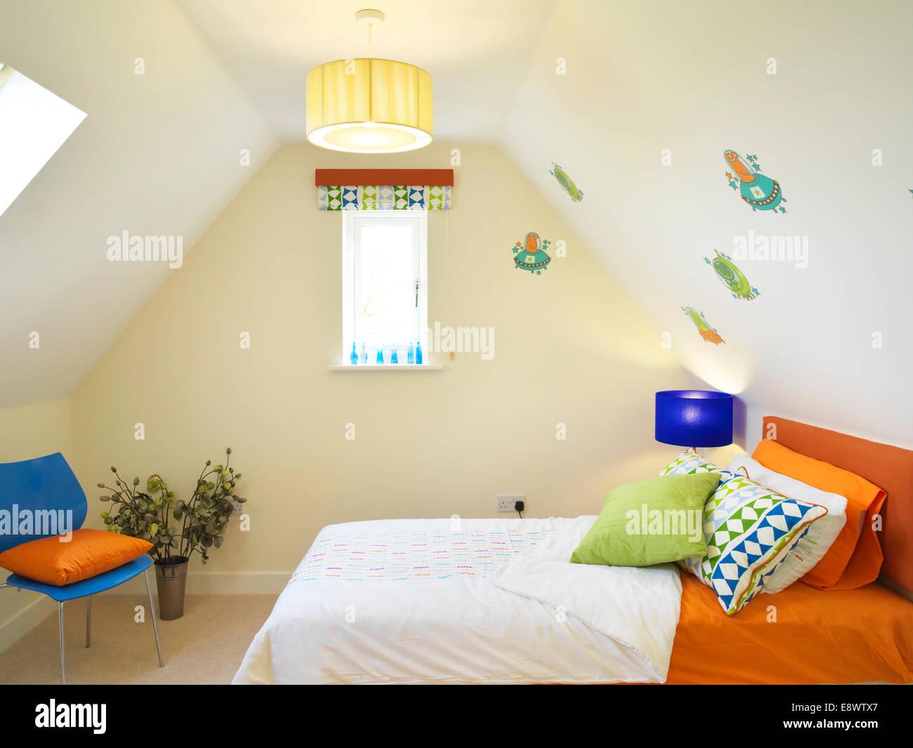 Interiors Bedroom Attic Bed Stockfotos & Interiors Bedroom Attic Bed ...