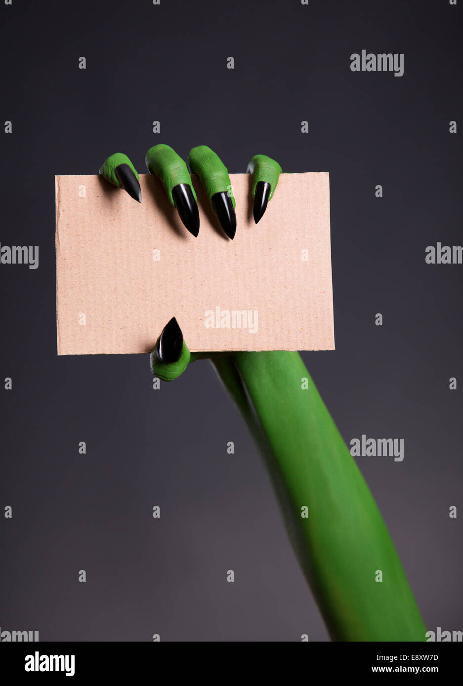 Sharp Nails Stockfotos & Sharp Nails Bilder - Alamy