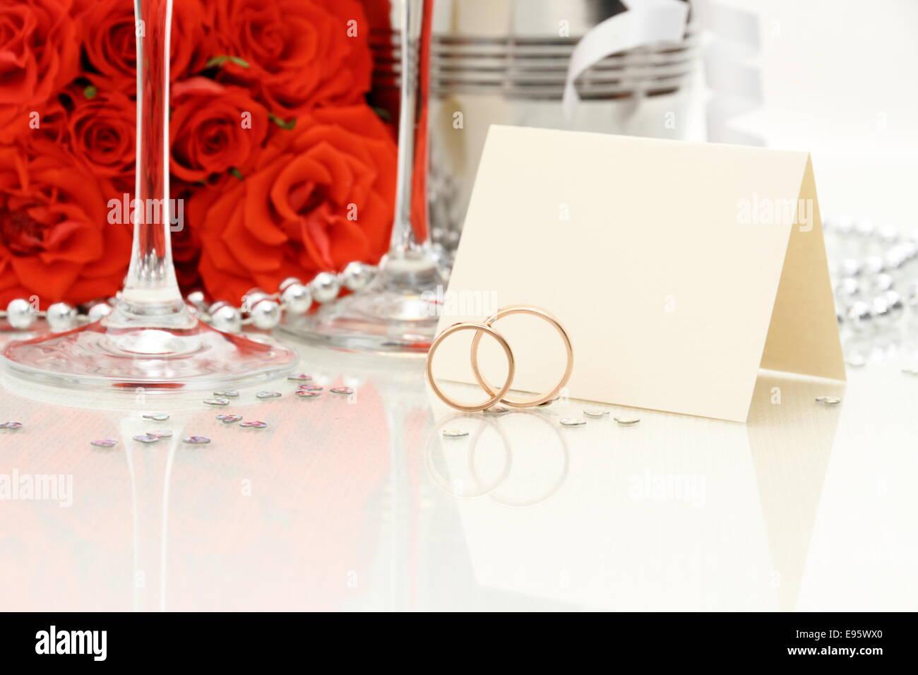 Zwei Goldene Hochzeit Ringe Mit Karte Sektgläser Rote