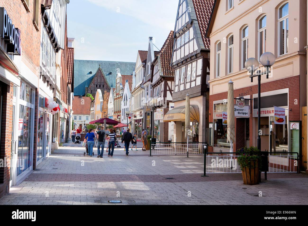 Fußgängerzone High Street, eine der Aller Verden, Niedersachsen, Deutschland, Europa, Stockbild