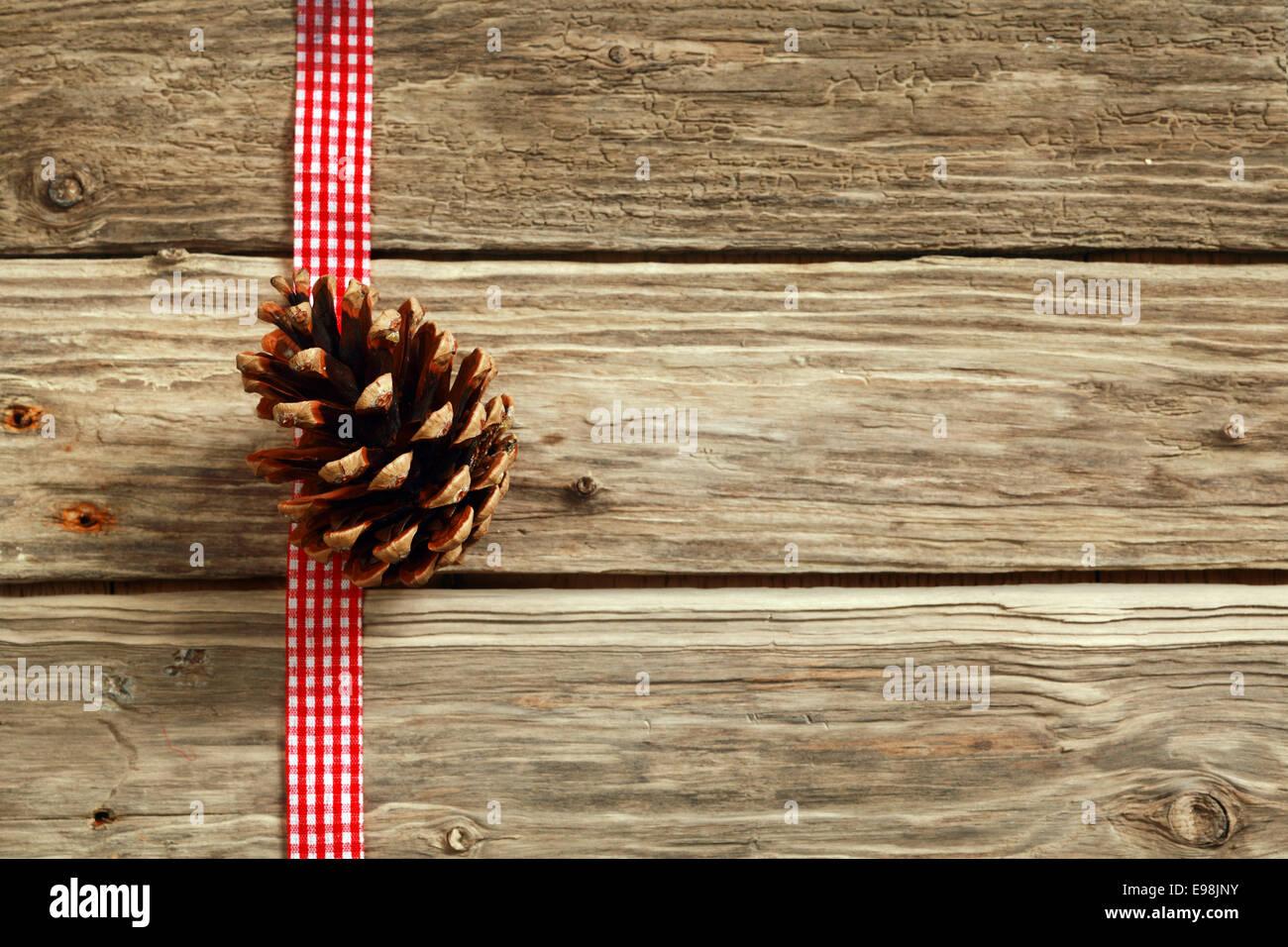 Rustikale Weihnachten Hintergrund mit einem dekorativen weißen Ende ...