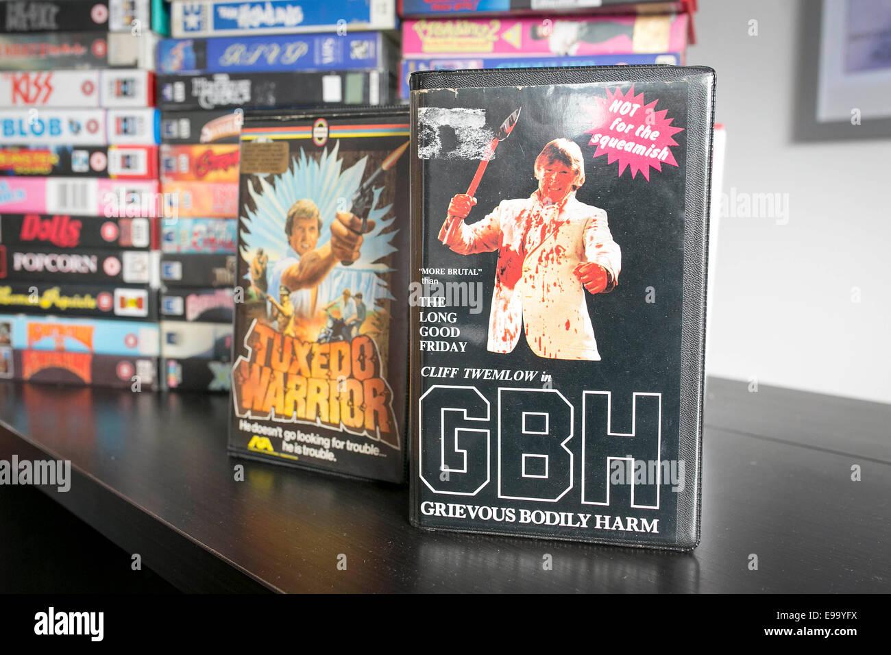 70er und 80er Jahre Kult-Videos einschließlich Clive Tremelow GBH Stockbild