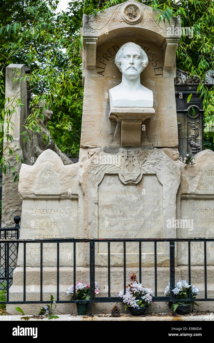 Grab des französischen Schriftstellers Alfred de Musset, Pere Lachaise Friedhof, Paris, Ile de France, Frankreich Stockbild