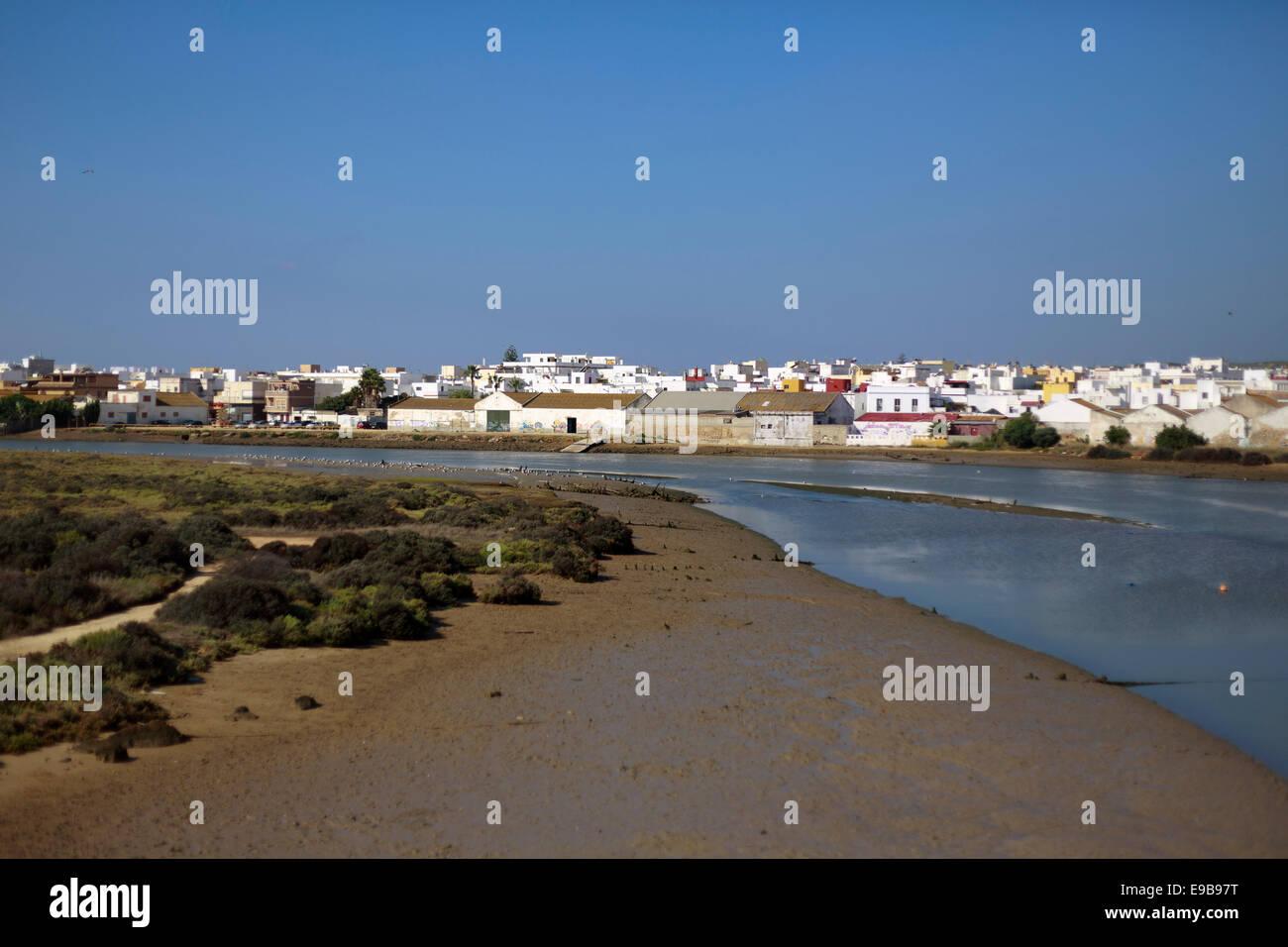 Einen Überblick über das Marschland Anschluss an Spanien Andalusien Barbate Fluss neben dem alten Hafen; Stockbild