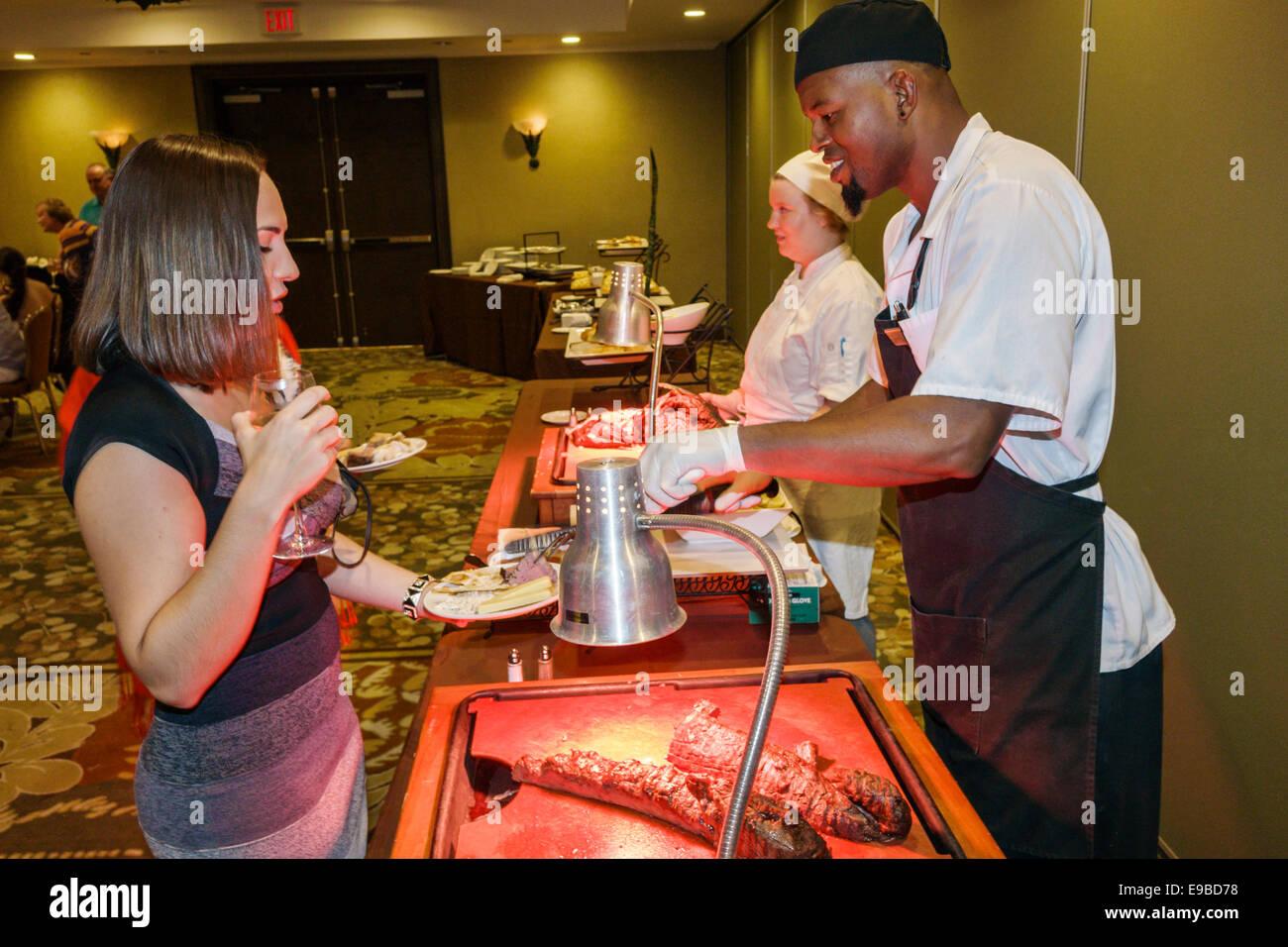 Florida Key West Westin Key West Resort & Marina Hotel Büffet Frau ...