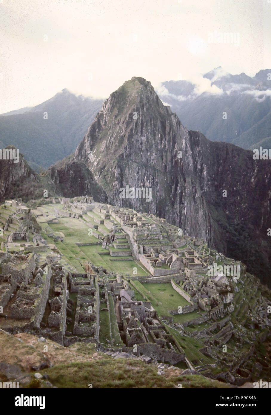 ein Bild der historischen Inka Stadt Machupicchu in Peru von meinem Vater in 1971 gedreht Stockbild