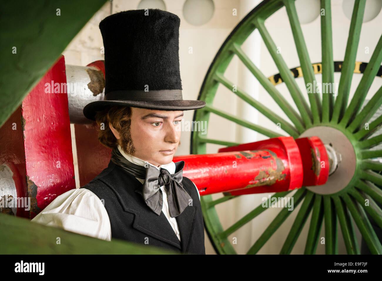 Brunel Emissionshandelsystem riesige Motor Eisenbahnräder in Steam Museum Swindon UK Stockbild