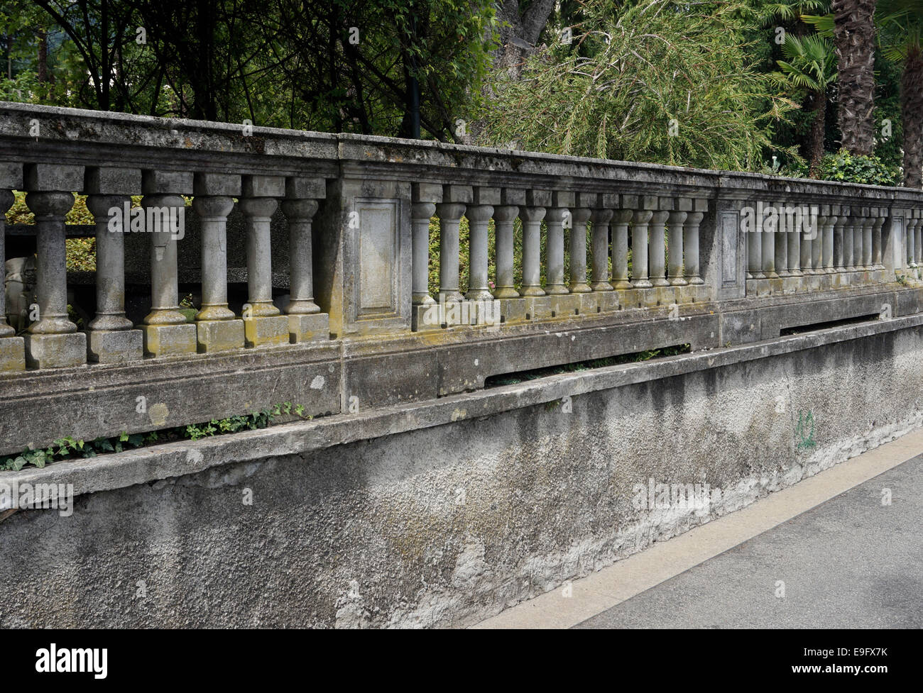 Garten Geländer Stockfoto Bild 74723255 Alamy