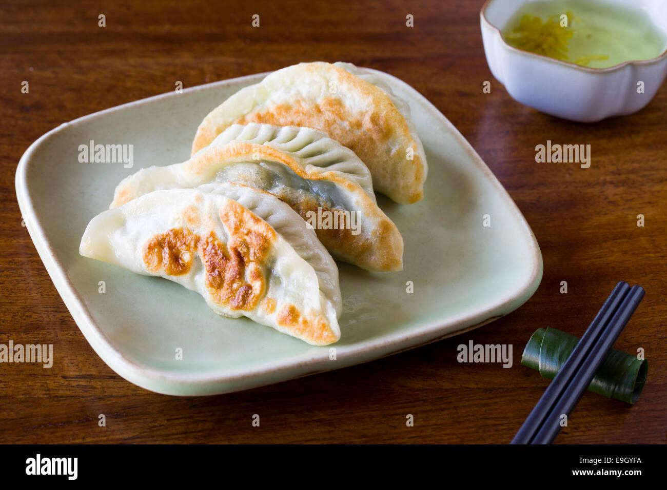 Chinesisch (traditionell) snack frittierte Teigtaschen Stockbild