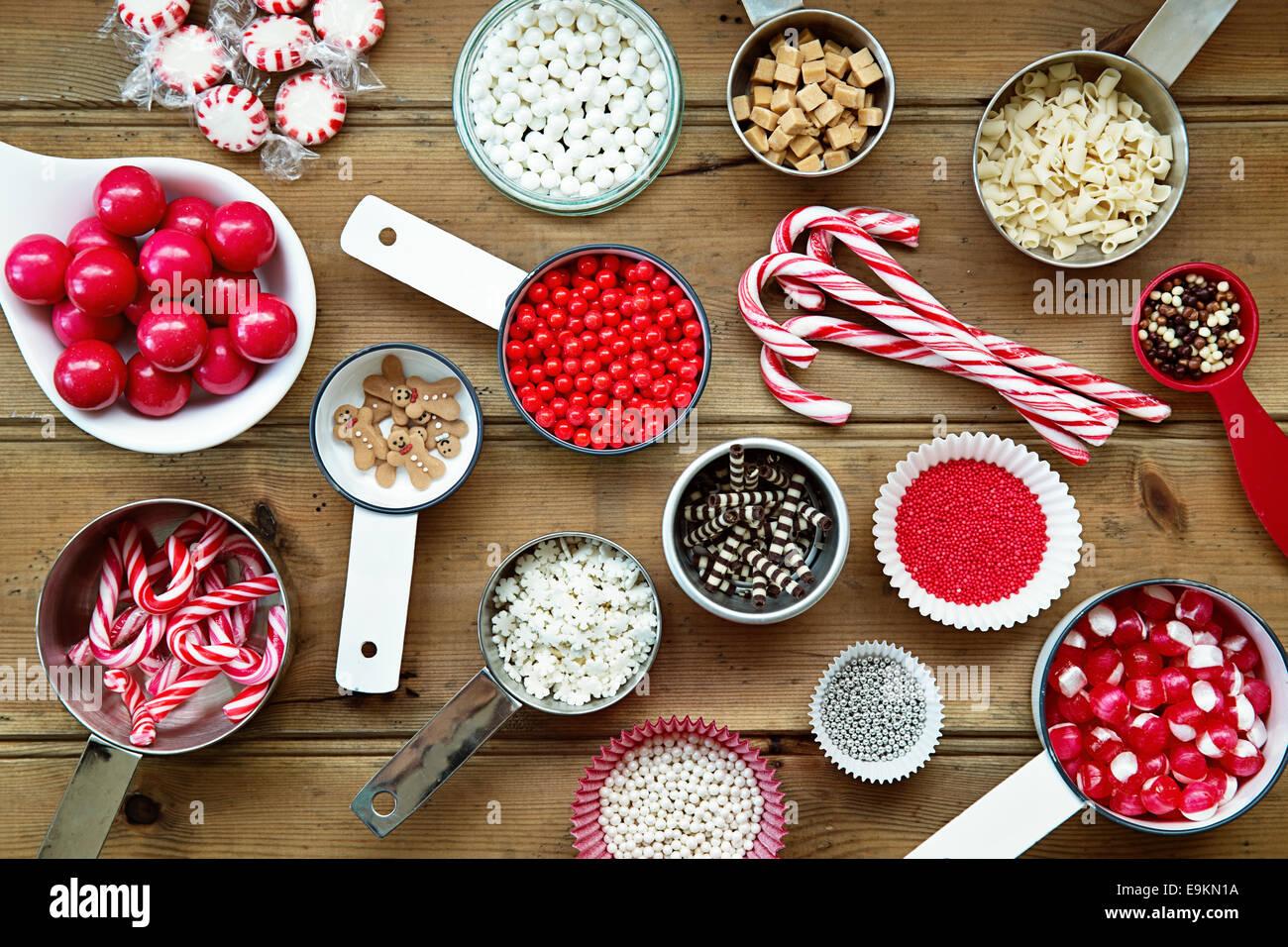 Cupcake Weihnachtsschmuck und Streuseln Stockbild