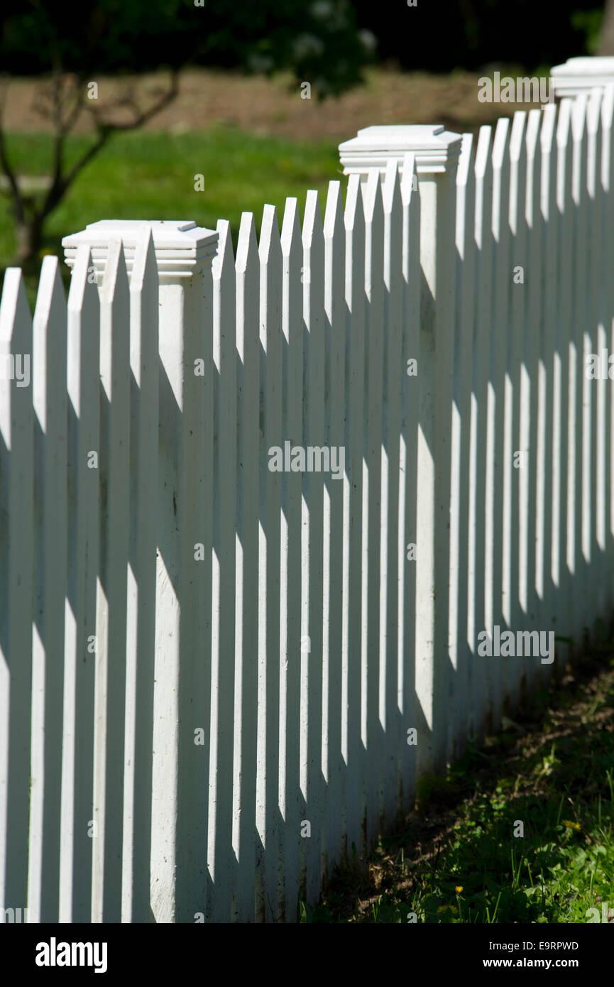 Suburbia Fence Stockfotos & Suburbia Fence Bilder Alamy