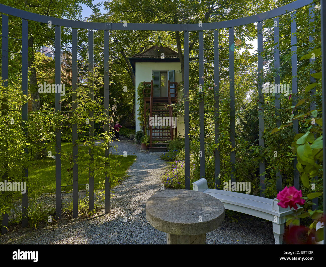 pergola house stockfotos pergola house bilder alamy. Black Bedroom Furniture Sets. Home Design Ideas