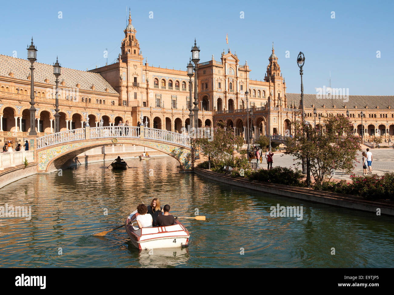 seville buildings stockfotos seville buildings bilder seite 23 alamy. Black Bedroom Furniture Sets. Home Design Ideas