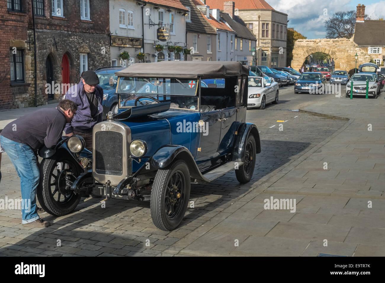 Car Breakdown Stockfotos & Car Breakdown Bilder - Alamy